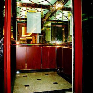 Aufzugkabinen im Hotel Maritim