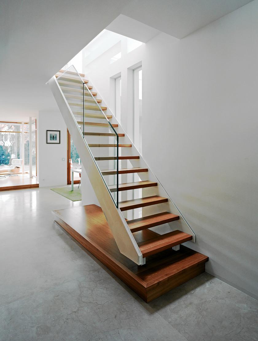 referenzen in treppen bau und restaurierung treppenbau berlin. Black Bedroom Furniture Sets. Home Design Ideas