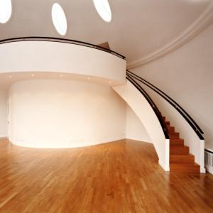 Treppe in einem Münchener Büro- und Geschäftshaus